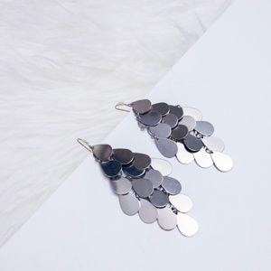 ⚜️ Silver Scale Dangle Earrings
